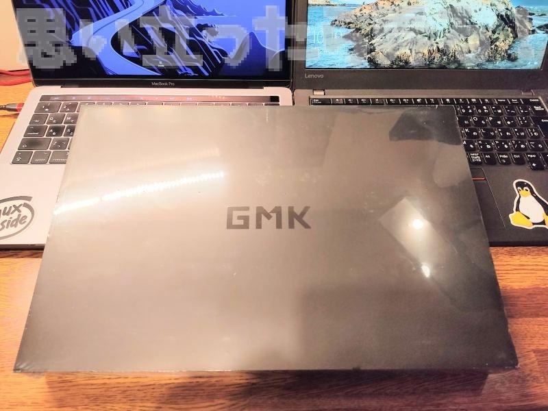 GMK 4K モバイルディスプレイのパッケージ外観